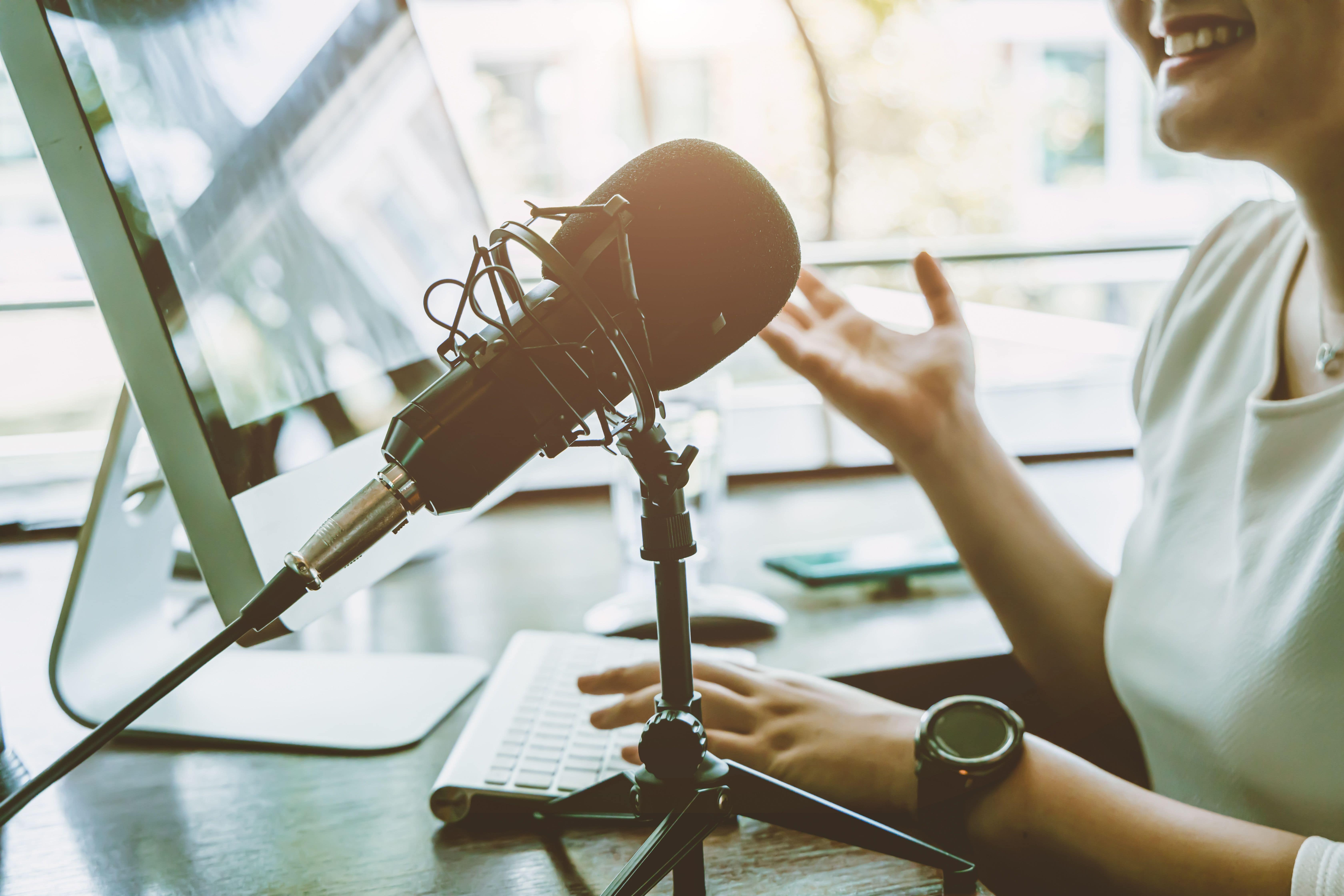 5 Marketing Podcasts That Will Help You Cut Through the Clutter in 2021